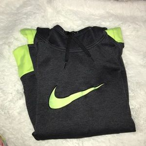 NIKE Therma-Fit Sweatshirt